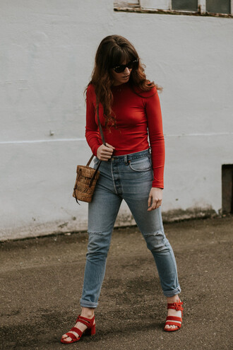 the mop top blogger top sunglasses bag jeans shoes red top red shoes sandals spring outfits