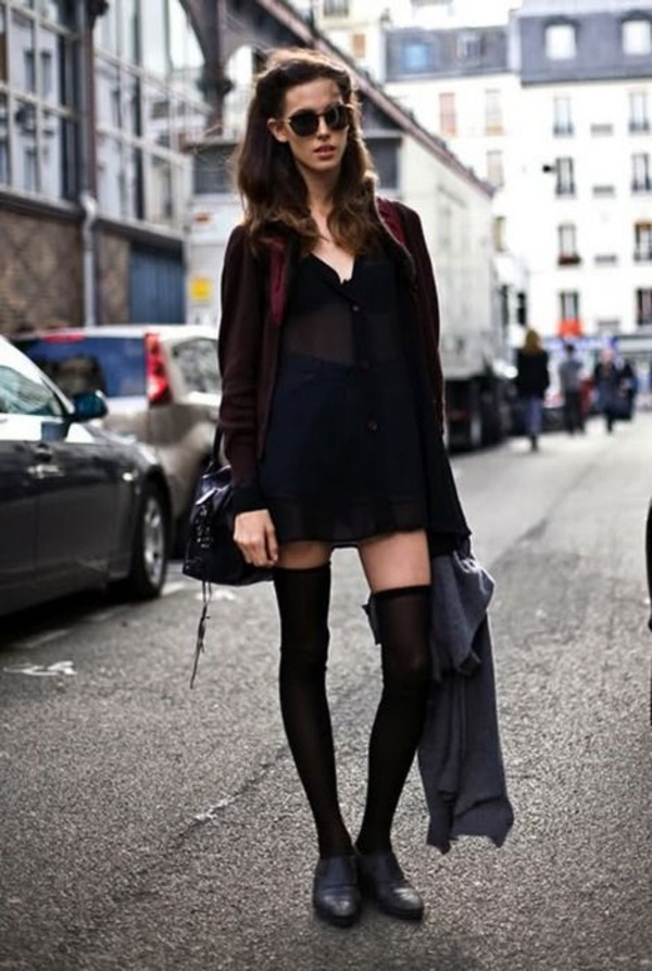 socks black shirt black cardigan over the knee socks black shoes blogger sunglasses