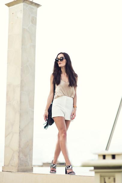 anouska proetta brandon blogger white shorts tank top sandals top shorts shoes sunglasses bag