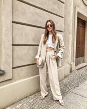pants,wide-leg pants,top,white top,blazer,shoes