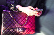 bag,chanel,purse,ombre,chain,gold,gold chain,pink and gold chain,chanel bag,pink,purple