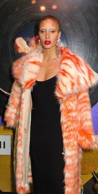 coat adwoa aboah model black dress dress london fashion week 2017 earrings model off-duty fur fur coat