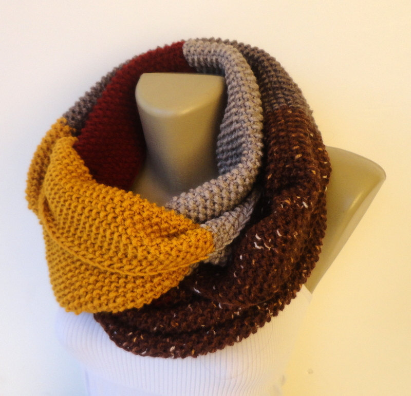 winter scarf / dr who scarf style / unisex / knit infinity scarf / eternity scarf / chunky scarf / fall fashion / gift ideas senoAccessory