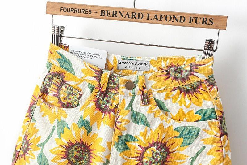 High Waist Rolled Cuff Sunflowers Printed Shorts