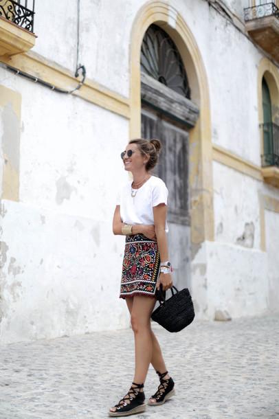 b a r t a b a c blogger t-shirt skirt shoes bag sunglasses caged sandals embroidered skirt mini skirt white t-shirt embroidered summer outfits black bag sandals