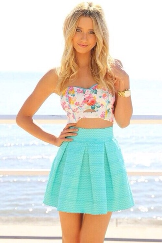 skirt green skirt pleated skirt beach blonde hair sunny top shirt blue skirt printed crop top flowers floral summer dress summer outfit