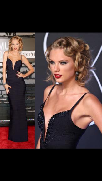 taylor swift navy blue dress 40's?