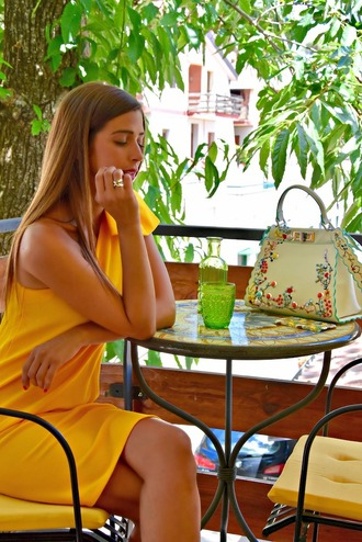 cosamimetto blogger dress bag jewels shoes yellow dress handbag summer outfits