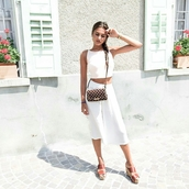 pants,tumblr,white pants,culottes,white culottes,crop tops,white crop tops,white top,bag,crossbody bag,wedge sandals,wedges,mules