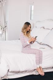 pajamas,christmas pajamas,christmas,holiday season,holiday gift,home decor,home accessory,bedding,bedroom,onesie