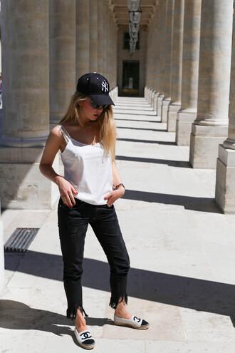 hat cap top tumblr black caps black baseball hat baseball hat espadrilles chanel denim jeans black jeans frayed jeans white top