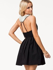 dress,pearl,black