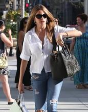 streetstyle,shirt,white shirt,sofia vergara,sunglasses,jeans
