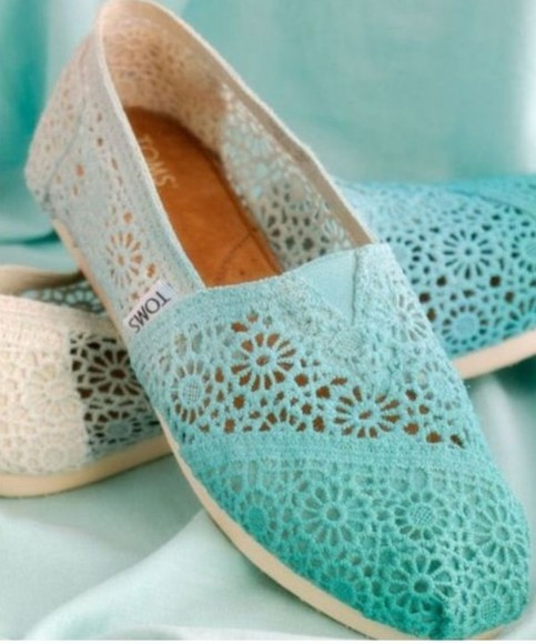 dip dyed shoes toms crochet