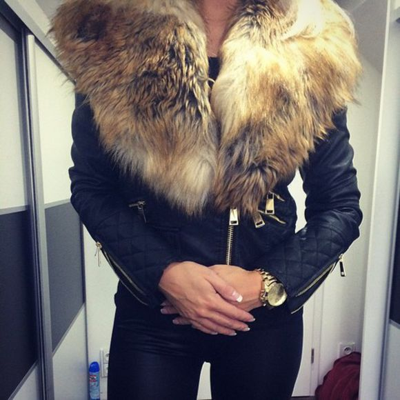 jacket leather jacket black jacket black leather jacket black leather jacket with fur around the neck leather jacket with fur fur collar fur collar jacket