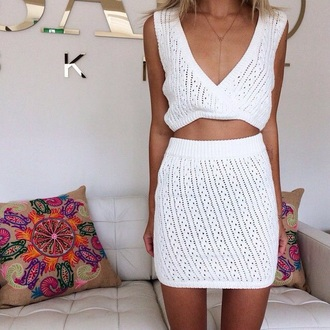 all white everything skirt necklace pillow white top crochet white crop tops matching skirt and top matching set crop tops dress plung neckline on point clothing mini skirt body chain summer summer outfits pretty girly blonde hair fashionista beach instagram tan tumblr