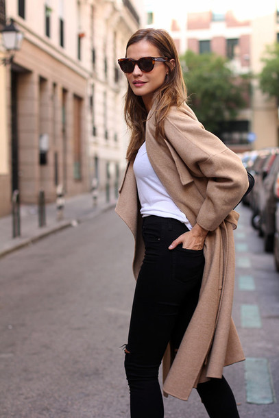 lady addict blogger jeans top bag sunglasses camel coat jacket shoes coat helptofind thanks for hlep white t-shirt camel black jeans stan smith black bag street