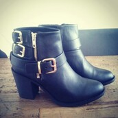 shoes,zip,buckles,leather ankle boots,leather boots,ankle boots,black shoes,leather shoes