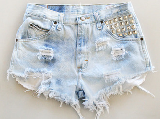 shorts spikes denim ripped blue light blue hipster instagram tumblr button spiked spiked shorts denim shorts light blue denim shorts denim ripped denim ripped shorts bag love low price jeans