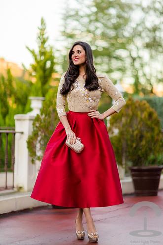 crimenes de la moda blogger top red skirt glitter holiday dress midi skirt