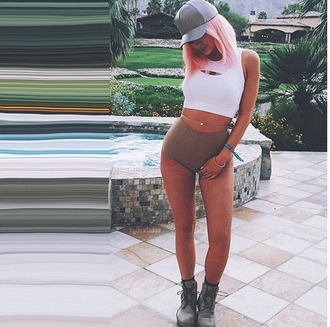 shorts kylie jenner coachella top