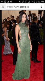 dress,green dress,kendall jenner,kendall and kylie jenner,green,gown,prom dress,green prom dress,prom,long prom dress,kardashians,celebrity,celebrity style,celebstyle for less,clothes,party dress,red carpet dress,red carpet,sexy dress,sexy,sexy party dresses,classy,classy dres,elegant dress,classy dress,girly,girly dress,cute,cute dress