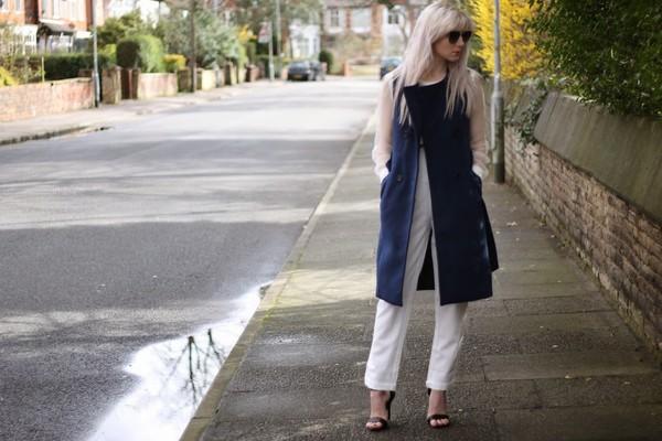 saraluxe pants coat sunglasses