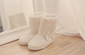 shoes,slippers,cable knit,white,fashion,fluffy,bows,tumblr,tumblr girl,girly,vintage,elegant,casual,hipster,indie,style,black,gold,one direction,pretty little liars,grande,ariana grande,boots,rosy