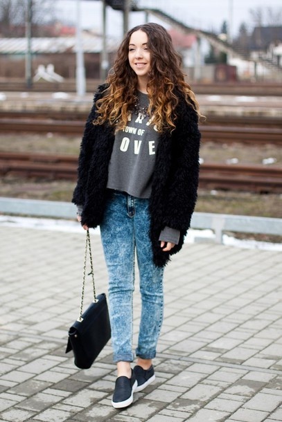 kolorowa dusza blogger grey sweater acid wash jeans black jacket winter jacket