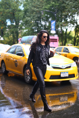 viviere bella blogger sunglasses rock indie black t-shirt black jacket leather pants shirt pants shoes
