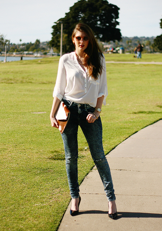 these days shirt bag jeans jewels sunglasses