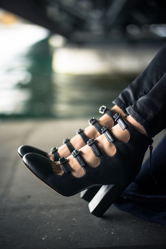 shoes buckle heels black blouse mary jane