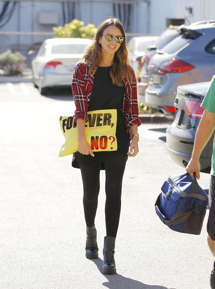 jessica alba bag fall outfits shirt flannel
