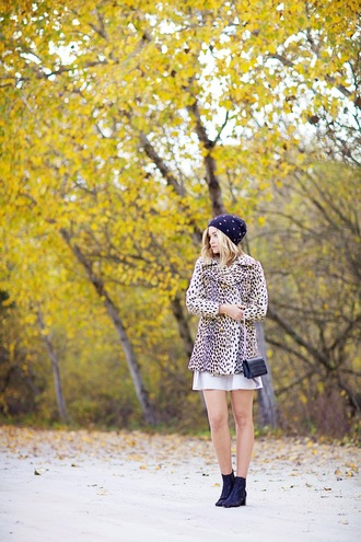 late afternoon blogger coat skirt bag beanie animal print