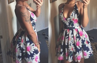 dress halter floral navy flare cute love beautiful wedding babydoll plunge v neck daisies cute dress