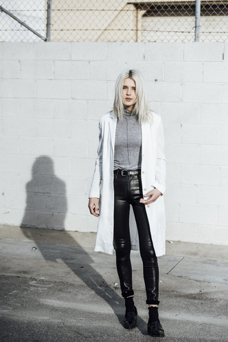 fire on the head blogger coat sweater belt shoes