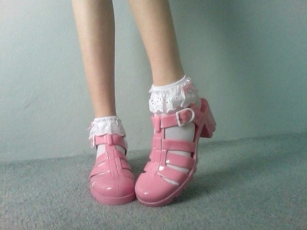 shoes pink sandals socks and sandals jellies jewels socks white lace cute sweet lace ankle socks ankle socks pink shoes jellies jellies heels kawaii kawaii shoes sock cute socks