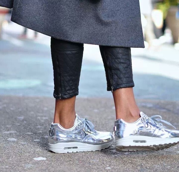 shoes pants leather leggings quilted leggings leather sneakers nike nike air max 1 argent? silver nike air nike running shoes roshe runs air max jeans jeans