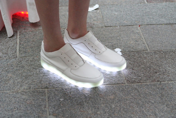 shoes amazing white light light up unique pretty white lighting sneakers modern fashion leather plain lights dope glow flash flashy fluorescent too dope streetstyle streetwear chic cool light up shoes