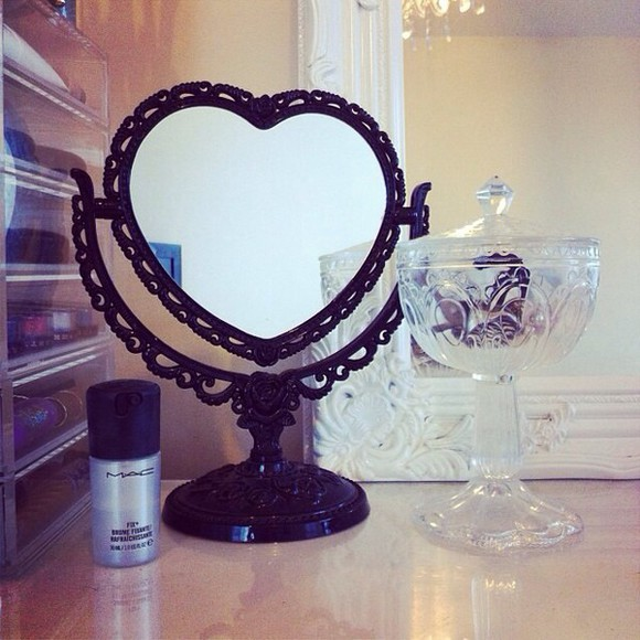mirror home decor make-up heart shape