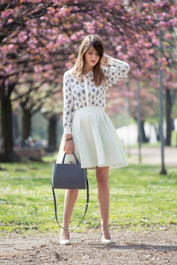 scent of obsession skirt shirt bag jewels shoes