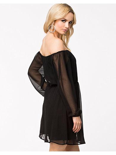 Beaute Dress - Nly Trend - Zwart - Feestjurken - Kleding - Vrouw - Nelly.com