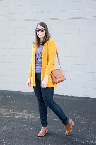 styleontarget blogger jewels cardigan t-shirt bag jeans shoulder bag skinny jeans ankle boots winter outfits