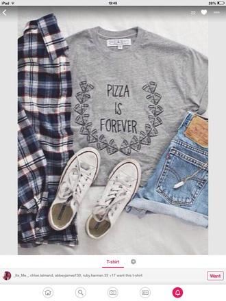 t-shirt short gray pizza style shorts