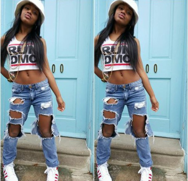 jeans summerissunny photoshoot run dmc throwback adidas shoes red black  white big hole jeans gold chains