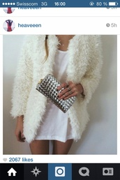 coat,fluffy white coat