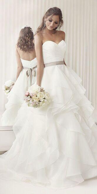 dress wedding dress white dress wedding frilly sweetheart neckline sweetheart dress long dress strapless dress bouquet flowers bustier dress bustier wedding dress