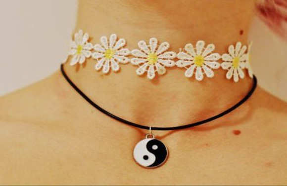 jewels choker necklace daisy 90s