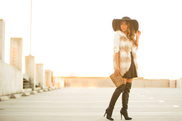 faux fur blogger jacket lace and locks felt hat flare skirt jumper thigh high boots pouch
