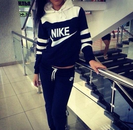 Nike b&w tracksuit